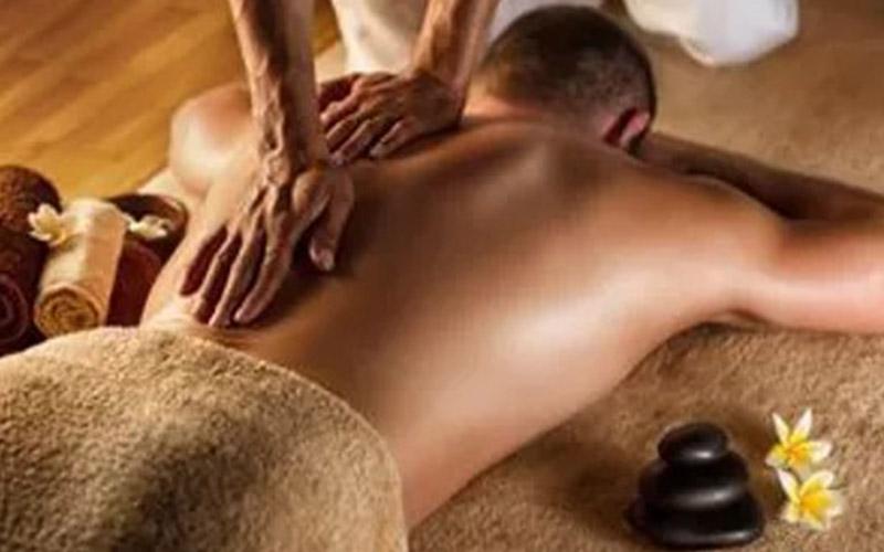 massage-goldfinger-cote-azur-massage-californien